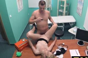 Česká falešná nemocnice – roztomilá blondýnka (FakeHospital)