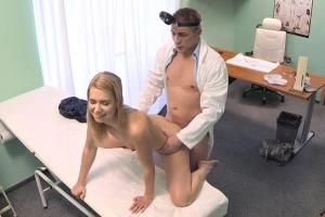 Česká falešná nemocnice – slečna Fialová (FakeHospital)