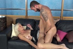 Česká MILFka na porno castingu