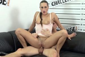 Český Challenge – Mea Melone si užije pořádný sex s mladíkem