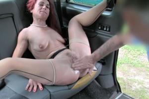 Fake Taxi – taxikář mrdá zákaznici