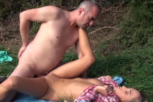 Fotograf píchá začínající modelku - české porno