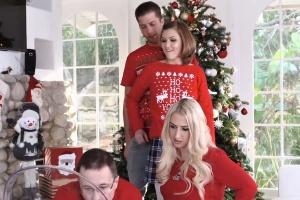Holka si o Vánocích zašuká s nevlastním bratrem