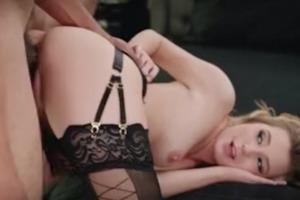 blondýna dostane velký černý penis