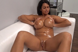 Český porno casting - cikánka Chloe Lamour ze Slovenska
