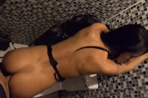 Česká holka Lexi Dona vezme přítele do night klubu kde si s ním zapíchá