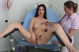 Charlotta Phillip na prohlídce u gynekoložky - české porno