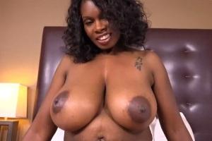 Černé porno obrázky MILF