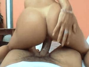 Nikki Rio je nadržená latina