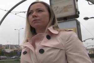Rychlý prachy v českých ulicích – Bibi (PublicAgent)
