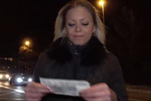Rychlý prachy v českých ulicích – blondýnka (PublicAgent)