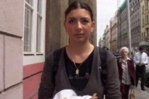 Rychlý prachy v českých ulicích - Julie