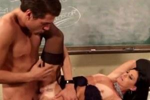 Sex s učitelkou biologie