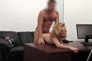 Učitelka se nechá šukat na porno castingu